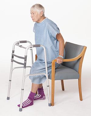 https://upload.orthobullets.com/topic/422739/images/total_hip_inpatient_rehab_walker.jpg
